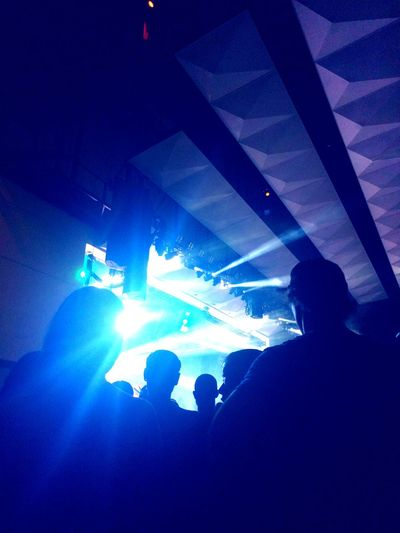 Arts Culture And Entertainment Music Nightlife People Stage Light Popular Music Concert Performance Stage - Performance Space Light Effect Blink 182