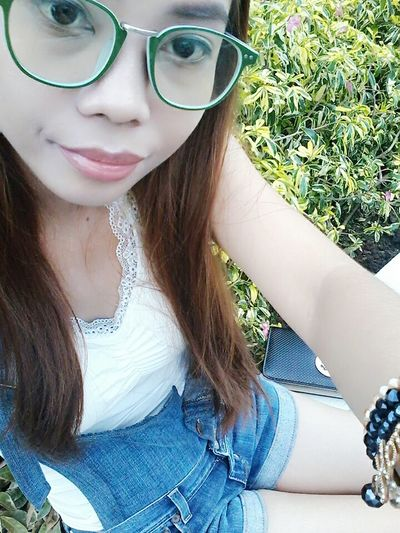 Hello World That's Me Wearing Glasses Smart Simplicity Cute KAWAII Stay True, Be YOU ❥ Fashion&love&beauty Selfie ✌ Be Yourself Let's Do It Chic! Sitting Pretty Simplyme