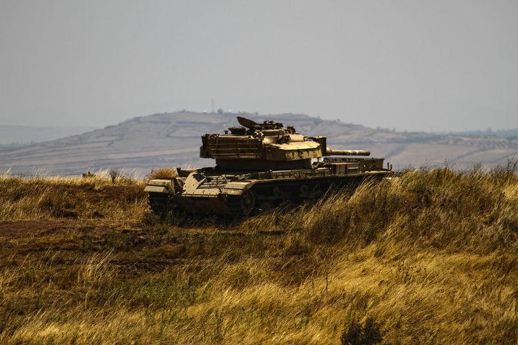 Tank Field Relic Tank War Wheat Yellow
