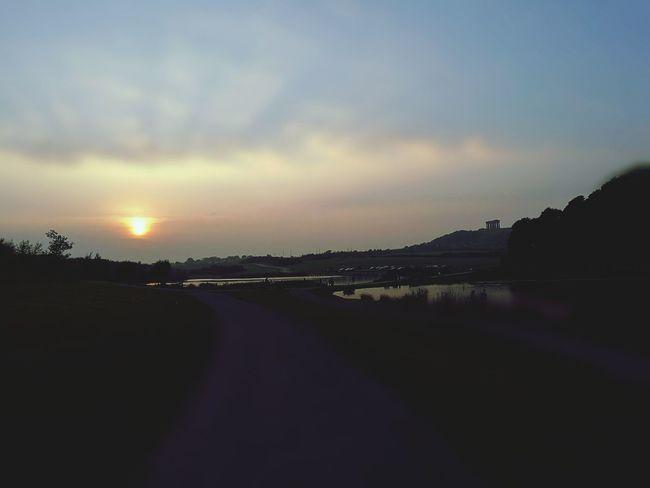Dogwalk Sunset Penshawmonument