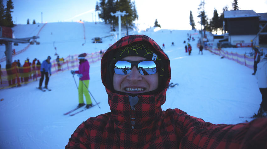 Adult Adults Only Close-up Cold Temperature Day Headshot Leisure Activity Nature One Man Only One Person Only Men Outdoors People Portrait Real People Ski Goggles Snow Warm Clothing Winter Young Adult