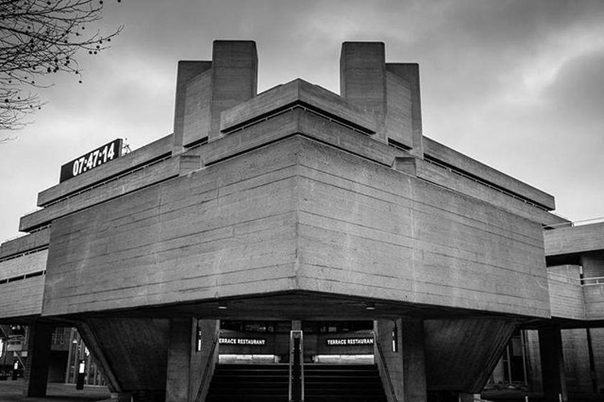 07:47:14 Nationaltheatre Architecture Blackandwhite Blackandwhitephotography London Morning Building