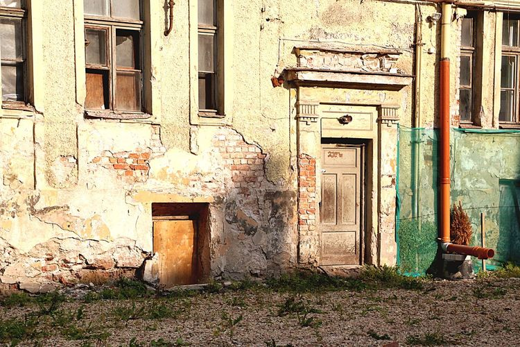 Street Full Frame Tranquil Scene Faded Fade Trashed Facades Façade Backyard Backyard Background Building Exterior Exterior Door Doorway Full Length Fullframe DSLR Photography Riga Abstractarchitecture Architecture_collection Architecture