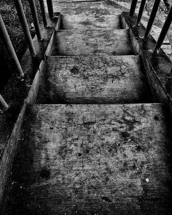 Black and white of stairs... @mataponsel @mp_riau @gadgetgrapher_riau @gadgetgrapher_kepri Mataponsel Mp_bnw Mp_hdr Bnw Gg_telusurriau Gg_telusurkepri_