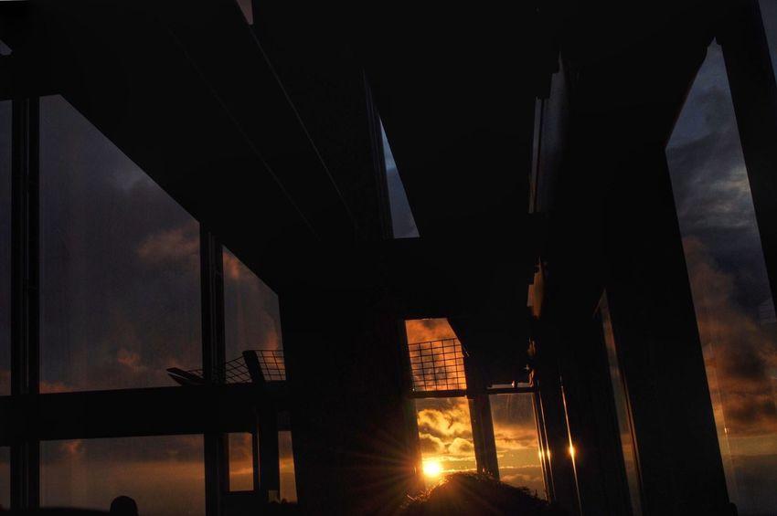 Sunset from The Shard London. Sunset The Shard, London London Silouette & Sky Silouette The Shard Getty X EyeEm Sun Beams EyeEm Best Shots Sun Rays London's Buildings EyeEm Gallery The Shard London Famous Landmarks EyeEm Famous Places Eye4photography  Reayworld Sunset London  Check This Out