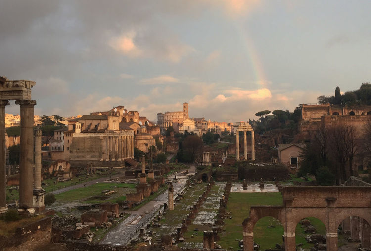 Colosseo Italia Roma Rome Skyline Ancient Ancient Civilization Archaeology Architecture Built Structure Colosseum Foro Imperiale History Italian Italy Rainbow Sky The Past Travel Destinations