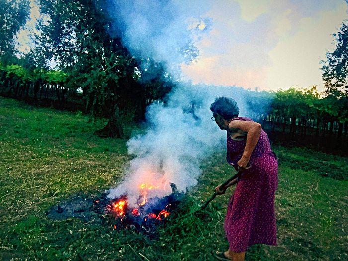Oldpeople Stillworking Everydayswork 82yearsold Sunset Love4agricolture Countryside Countrysidelife Quiet Moments Taking Photos Enjoying Life Burn Fire Italy Puglia Custom Grandma Grandparents
