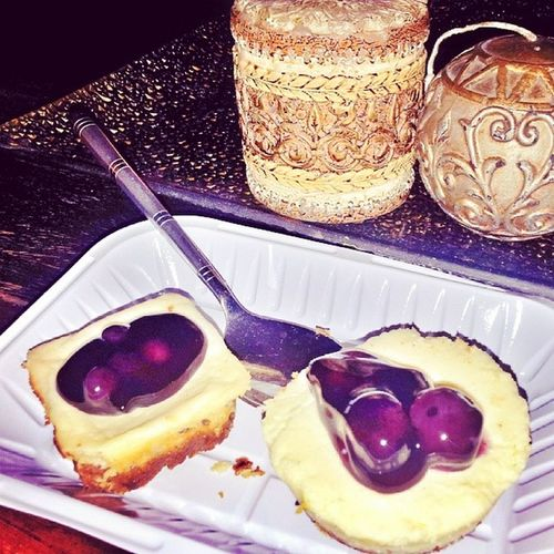 Moms Dessert Blueberry Cheesecake_bites