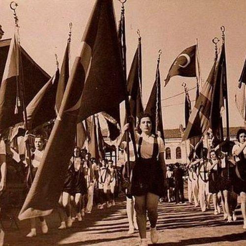 Ve elbette bir zamanlar... 19mayıs 19mayis Atatürk Türkiye 19Mayıs1919 Samsun Türkiye Turkey Türk SporBayramı istanbul nostalji eskiler retro ataturk turkiye nostalgia vintage