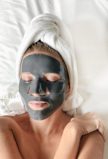 Rubber face mask Human Body Part Portrait Indoors  Headshot Spa Treatment One Person Young Adult Relaxation Facial Mask - Beauty Product Wellbeing Lifestyles Beauty Body Care Adult Real People Beauty Spa Healthy Lifestyle Women Beauty Treatment Beautiful Woman Human Face Body Part Luxury Face Mask Space Spa At Home Beauty In Nature Facial Hair Skin Skincare Product Skincare Skin Care Routine