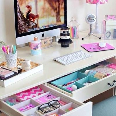 wow! want this awesome desk! wow! i can't hold it it's so cute! follow me for more!