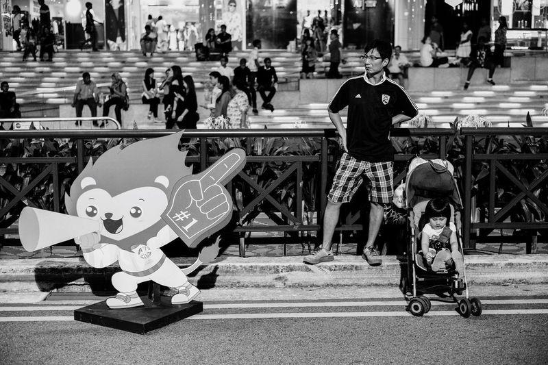 No 1 daddy Streetphotography Walking Around Monochrome Blackandwhite Candid People