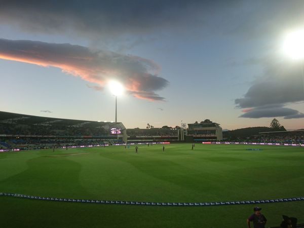 Circket Cloud - Sky Sport Playing Field Grass Competition Stadium Fan - Enthusiast Match - Sport