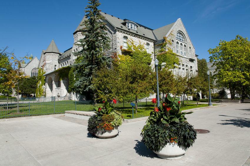 Queen's University Buildings - Kingston - Canada Campus Kingston Queen's University Built Structure Canada University