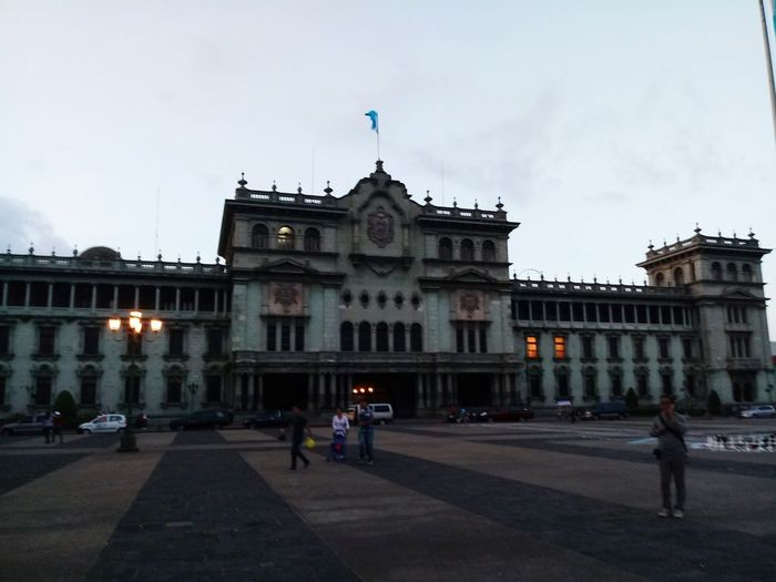Palace Palacio Constitution Guatemala Guatemala 🇬🇹 City Urban Tree Outdoors Place De La République Architecture Politics And Government Government Built Structure Building Exterior Cloud - Sky People Sky Sculpture History Old Buildings Monument Momuments
