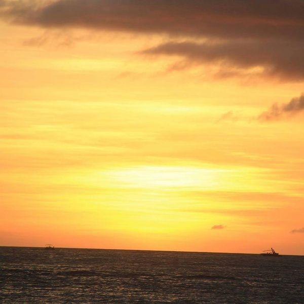 Taking Photos Relaxing Enjoying Life Hello World Boracay Island, Philippines Itsmorefuninthephilippines Traveltime Wanderlusting Check This Out Iclick_iinspire Philippines Explorer