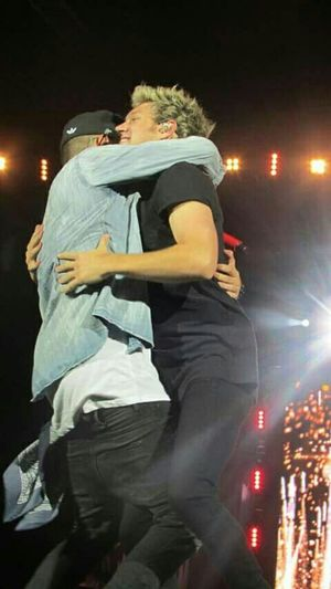 Onedirection Niall LIAM Hug Live them so much ❤ Directioner