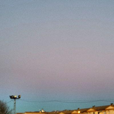 Que caprichoso es el cielo con sus colores.