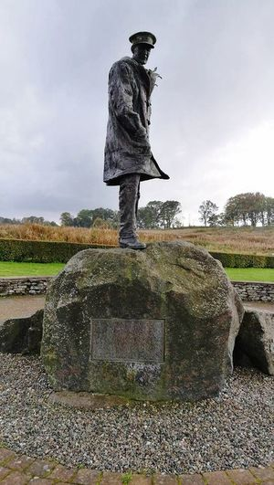 Statue Sculpture Memorial Tall - High HERO Man Rock War Remember Sir David Stirling
