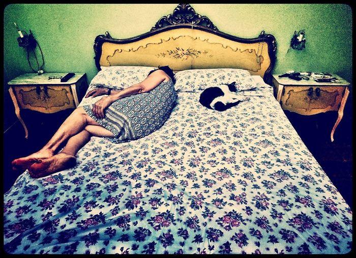 #Mom  #mamma #homesweethome #home #sleepy #humanity #holga #holgainstant #holga120 #LOMOGPRAHY #life #love #neko #Chat #portraitphotography #homesweethome #woman Low Section Sitting Beach Females Human Leg Young Women EyeEmNewHere