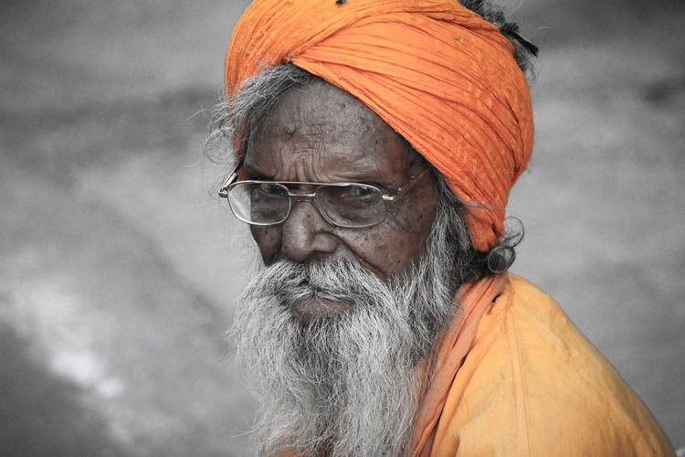 Senior Adult One Person Adults Only One Senior Man Only Adult Portrait People Gray Hair One Man Only Headshot Only Men Eyeglasses  Smiling Cheerful Looking At Camera Happiness Real People Close-up Outdoors Day India Indianstreets