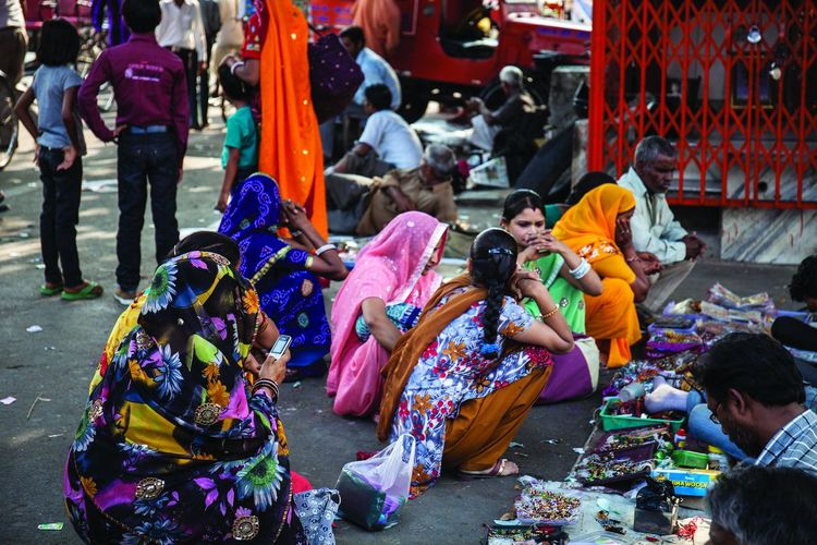 Waiting … Busstation Colorful Colors India Jaipur Market Marketplace Traditional Clothing Traditional Culture Waiting Women