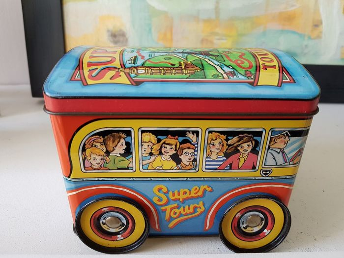 Bus Tin Vintage Vintage Cars Vintage Style Vintage Tin Multi Colored Gambling City Motorcycle Close-up Taxi Vehicle Double-decker Bus School Bus Vehicle Seat Hailing
