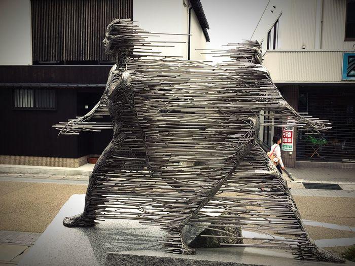 Stainless Statue ステンレス像【時の旅人】 Kusatsu