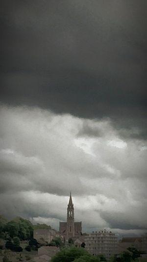 💦☔️☁️sur Angoulême Charente France Pluie Rain Paysage CIELFIE Ciel Et Nuages Ma Ville