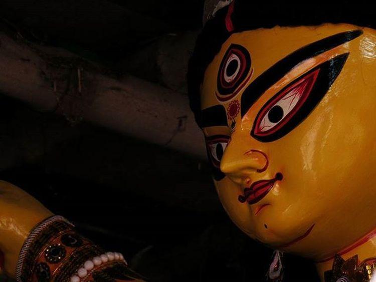 || শুভ চতুর্থী || (Subho Chaturthi) . . Durgapuja PujaCommences BongFestival Festivalsofindia FestivalsOfKolkata Lonelyplanetindia LPIndia LPInstaTakeover Yellow ThinkYellowThinkIdea AirtelPandalRun Kolkata_igers Calcutta Kolkata _cic _soi Onlyinbengal Sokolkata Indiapictures _pinup Myhallaphoto