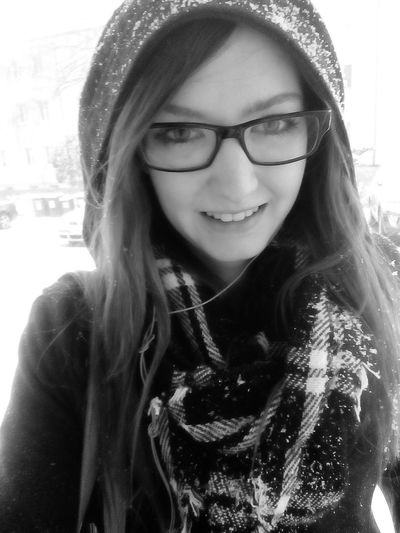 Taking Photos Selfie Girl #me #eyes #lips Wintertime Snow ❄ Beautiful Followme EyeEm Like Blackandwhite Picoftheday