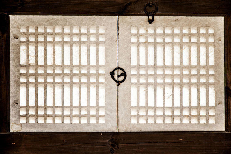 Brick Wall Closed Control Design Door Full Frame Geometry Glass Glass - Material House Indoors  Korean Traditional Architecture Metal Namsan Traditional House Village Old-fashioned Pattern Protection Safety Shadow Transparent Wall Wall - Building Feature Window Window Ring