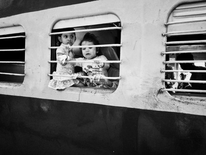 Window Shadows & Lights Incredible_shot India Crowded Train Incredible India Street Photography Indiapictures EyeEm Best Shots ShootermagTrain Station Mobile Photography Mobilemag Mobile Streetphotography Streetphotographer Street Photo Street Portraits Indianstories Photographers_of_india Natural Light Children Departure Crying Crying Child Train