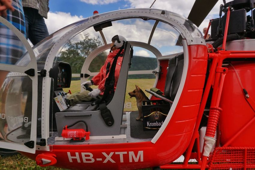 the Rescue Dog flies Model Helicopter @ Wieslet, germany