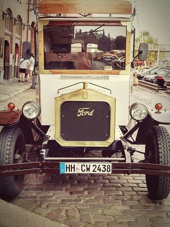 Oldtimer Car Ford Old Ford Hamburg Classic Car EyeEm Gallery EyeEm Best Shots Historic Eyeemphotography History TakeoverContrast