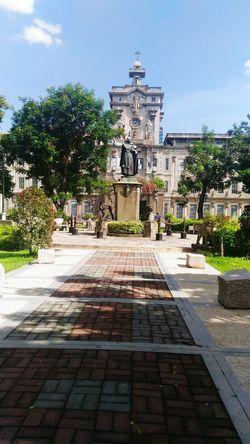 Miguel De Benevides Statue Cross Ust Main Building Earthquake Proof Building Lovers Lane