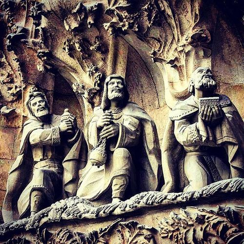 Segradafamilia Sculpture Barcelone Barcelona Ohbarcelona Catalonia Cathedral SPAIN Europe Awesomedesign F2f Follow2follow Followme Ifollowback Eyeforphotography TakingAShot Photographyislifee Beingatourist