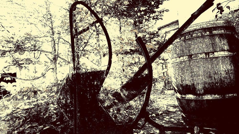 | guillotine of the day ^^ | Ironic  Guillotine Art Arts ArtWork Monochrom Monochrome _ Collection Monochromeart Monochrome_life Monochromatic Monochrome Photooftheday Hello World Hanging Out Enjoying Life Eyem Best Shots - Black + White Blackandwhite Blancoynegro Blackandwhitephotography Bnw_switzerland Bnw_worldwide Bnw_society Kunst Picoftheday EyeEm Best Shots