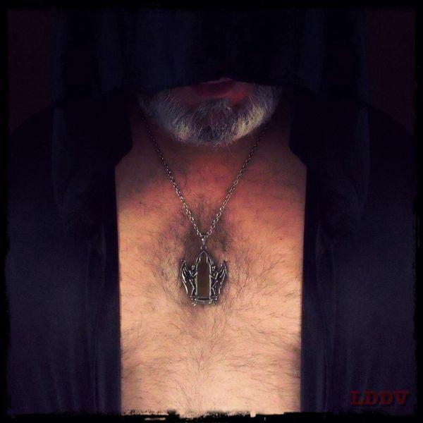 Autoportrait au medallion. Autoportrait Gothic Necklace LDDV