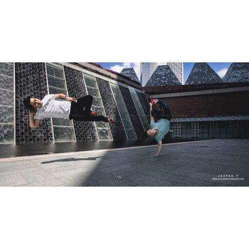 Chilling with the fantastic duo! Eden ExploreSingaporet way to nap!ExploreSingapore Dancephotography Breaklife Bboys HipHop Strobist Hancai Bboying Sony A7 canon