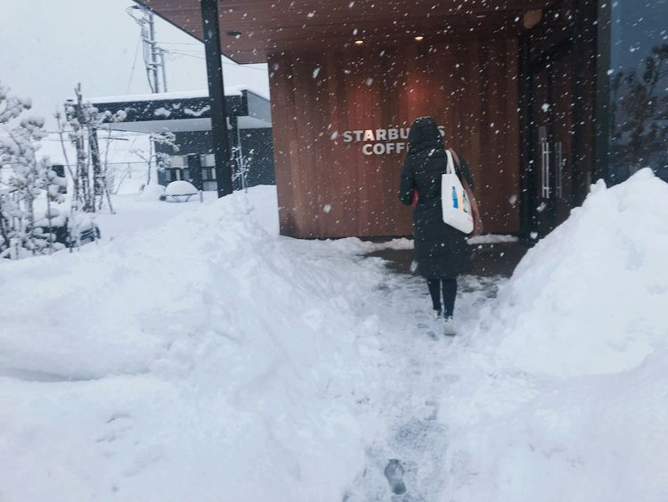 Starbucks Coffee Kanazawa,japan Snow Winter Cold Temperature Weather Architecture Outdoors One Person Day Snowing