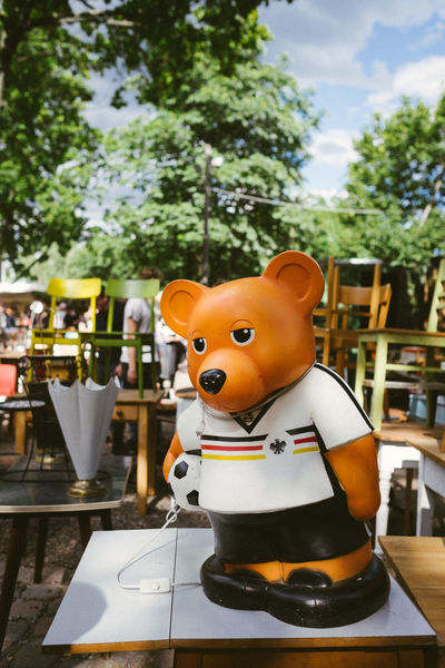Berlin Berlin Bear Capture Berlin Close-up Day Deutschland Front View Germany Mauerpark Outdoors Summer Tree