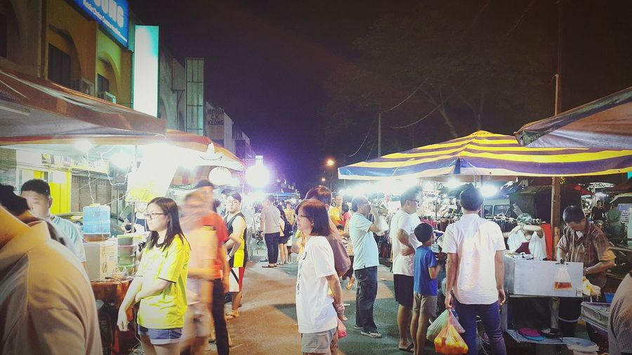 night market Night Market Malaysia Ipoh Gunung Rapat Crowd Crowd Men Illuminated Nightlife Women Music