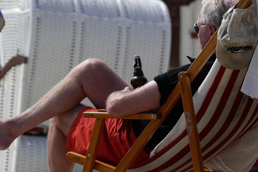Sommerpause Urlaub Beach Bier Hollydays Pause Person Ruhe Und Stille Strandkorb
