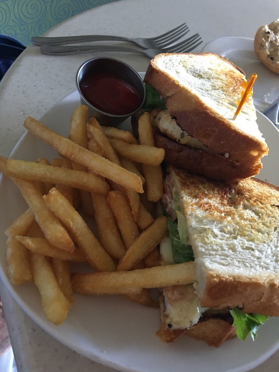 food and drink, french fries, food, ready-to-eat, prepared potato, freshness, plate, unhealthy eating, serving size, breakfast, deep fried, close-up, indoors, no people, fast food, dip, sandwich, day