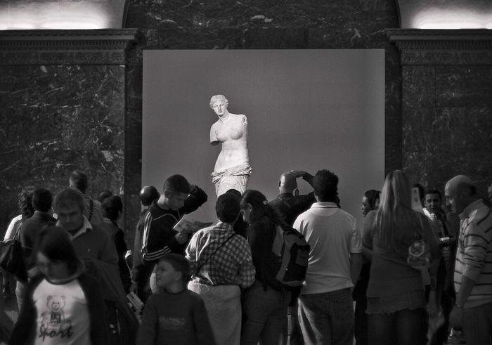 The Tourist Venere Museum Paris Art Louvre Statue Archeology Ancient