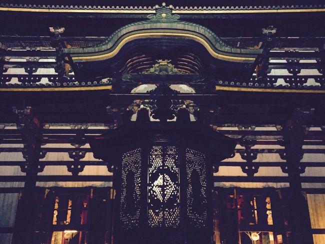 祈る。ひれ伏す。-pray. No People Low Angle View Architecture Built Structure Indoors  Day Temple Nara Japan