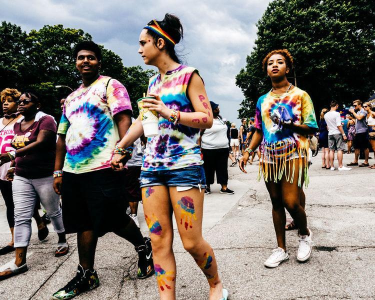 St. Louis, MO June 25, 2016 http://dylanmurphy.net http://instagram.com/dylanmurphy Documentary Festival Pride Rainbow Street Street Photography Streetphotography Tie Dye