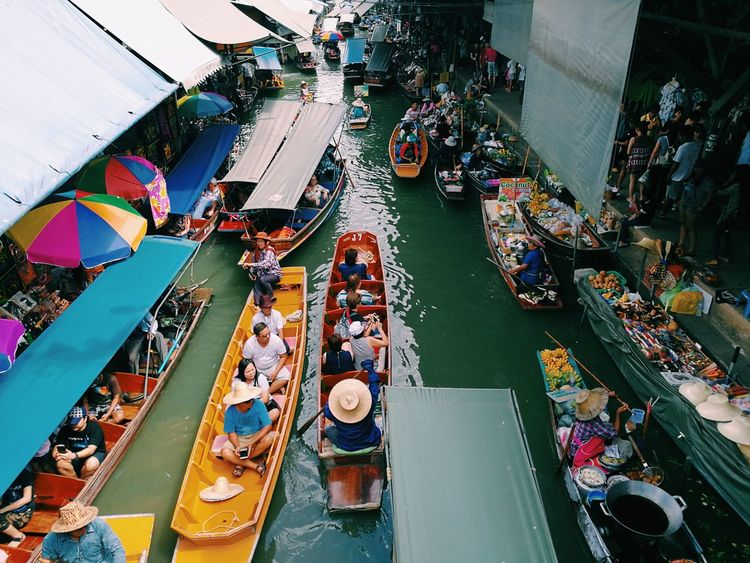DAMNOEN SADUAK FLOATING MARKET - Biggest Floating Market In Thailand Floating Market Ratchaburi Boatlife Local Food Local People Local Market LiveYourLife LiveDSlife EyeEm Thailand Landofsmiles First Eyeem Photo EyeEmNewHere My Best Travel Photo