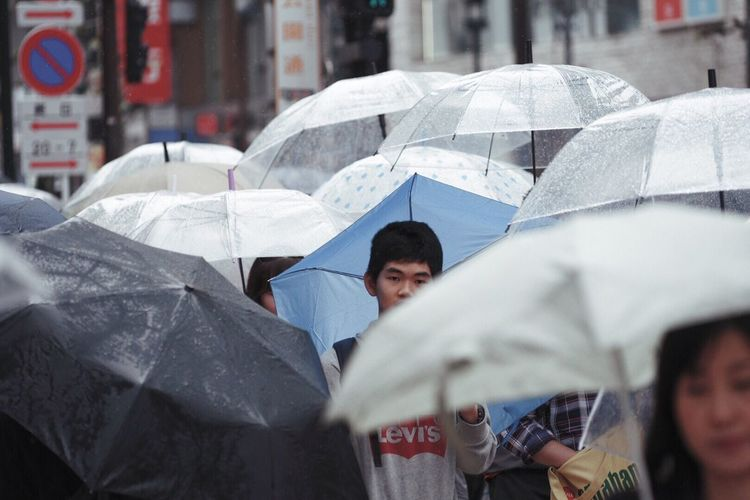Lost In The Landscape Shibuya Tokyo Japan Outdoors Rainy Days Street Real People Crowd City People